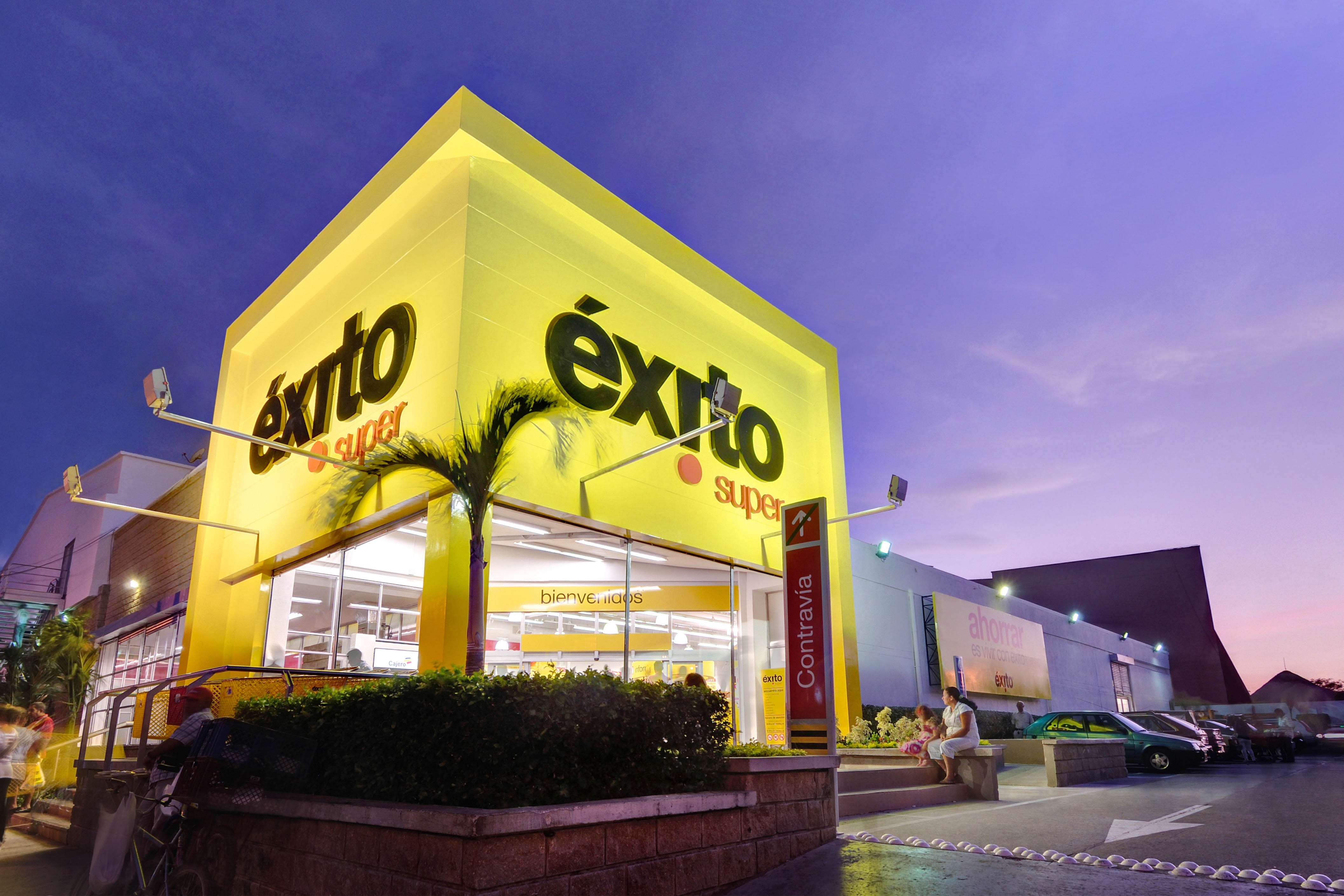 Retailer Exito presents its first store transformation in Envigado
